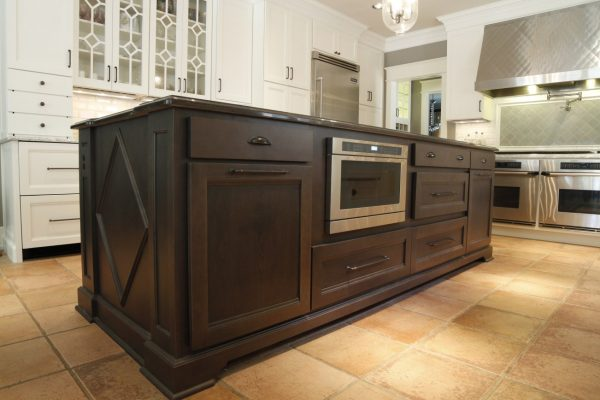Epic Interiors - Crestwood Cabinets